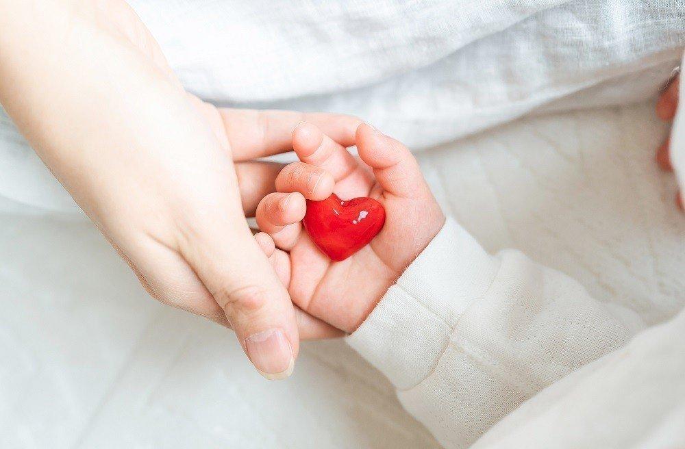 子どもに掛けるべき保険とは?医療・生命・学資保険の必要性についての画像