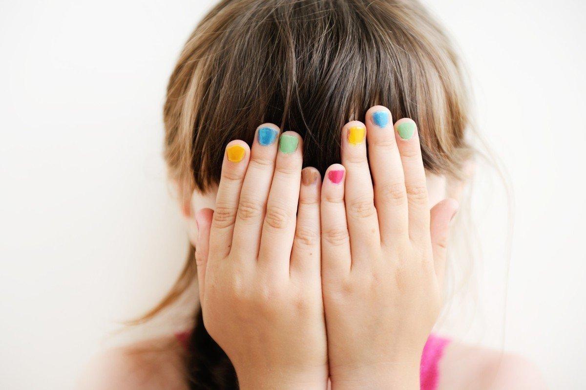 子どもに大人用のネイルは危険!?ネイルデビューにおすすめな商品8選!の画像