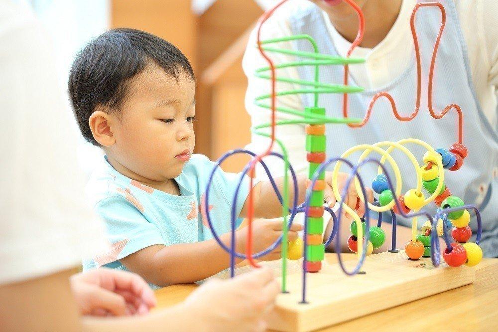 子どもの考える力を育む知育玩具は、どんなものを選べばいい?の画像