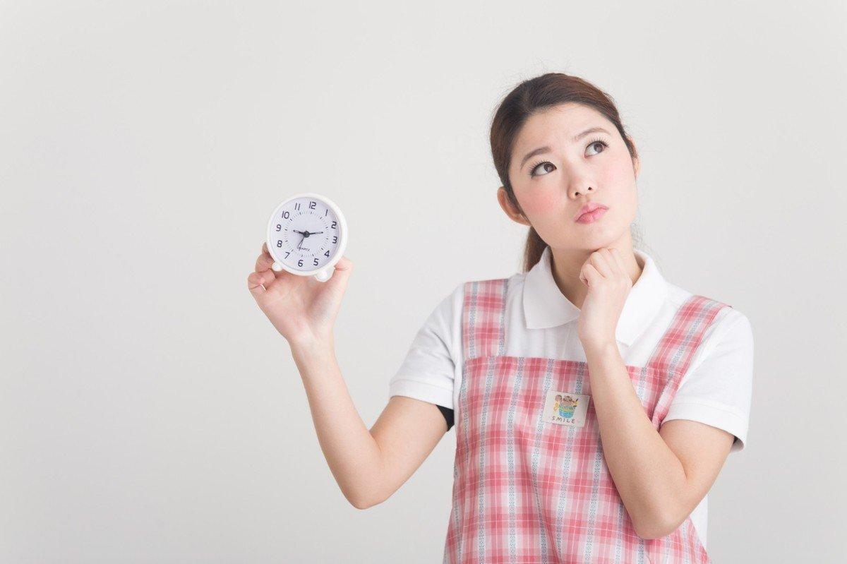 保育園って何時から何時まで?保育標準時間と超過時間の対処法の画像